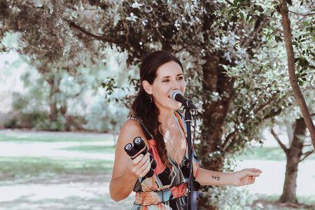 Le Kartoon presta servicio en la subcategoría de Orquestas, cantantes y grupos en Islas Baleares