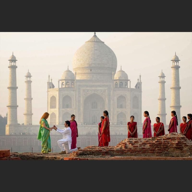 Petición de Mano en l Taj Mahal, Agra. La India.