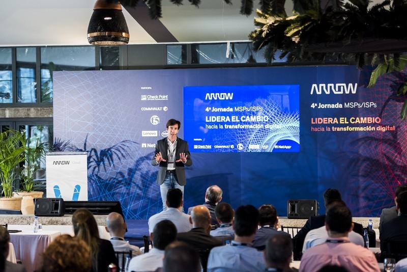Manuel Feijoo presenta Evento Corporativo