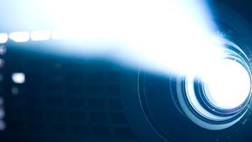 Alquiler de proyectores y pantallas