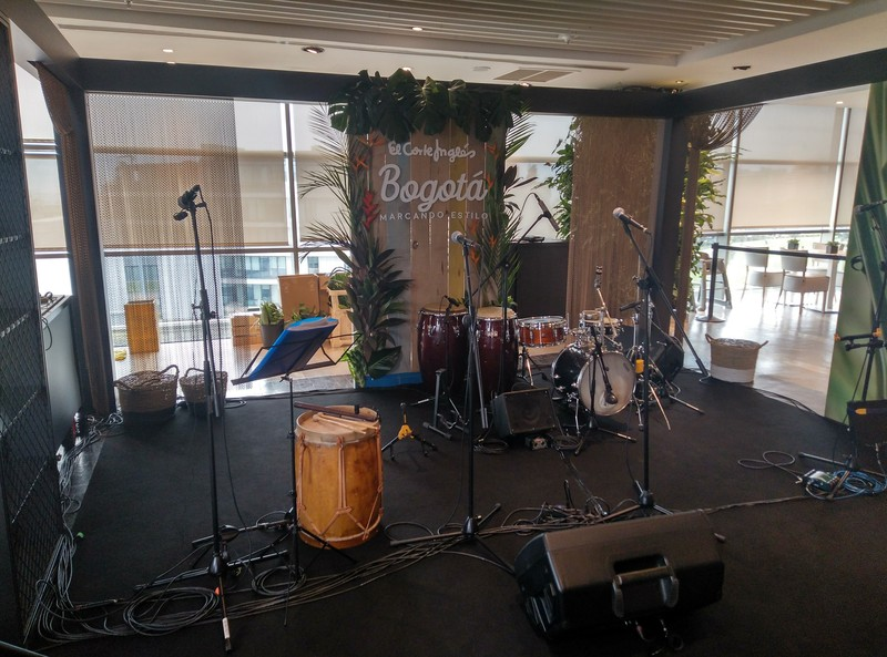 Sonorización grupo de salsa al corte inglés de Lisboa