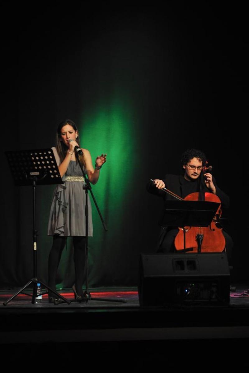 Cantante y Violonchelo