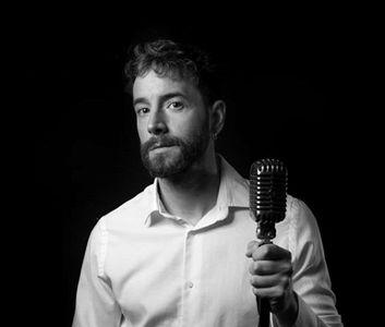 Ivo Blanek presta servicio en la subcategoría de Orquestas, cantantes y grupos en Sevilla