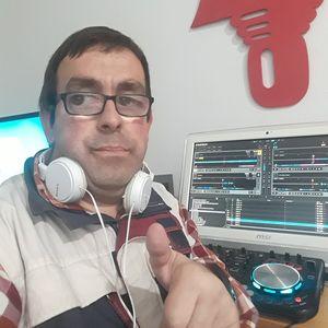 Charlie Dj presta servicio en la subcategoría de Djs en Alicante