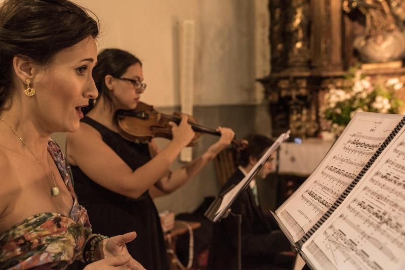 Soprano, Violín y Pianista