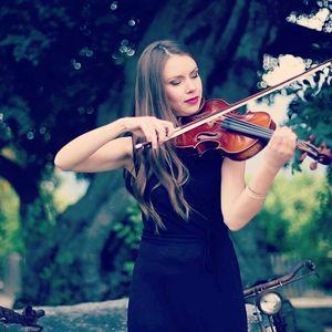 Sonora Música para Eventos presta servicio en la subcategoría de Orquestas, cantantes y grupos en Alicante