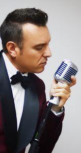 Abel cabello presta servicio en la subcategoría de Orquestas, cantantes y grupos en Barcelona