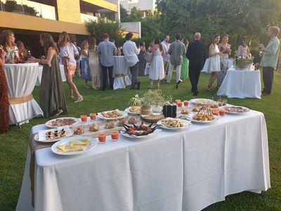 Altozano Catering & Eventos presta servicio en la subcategoría de Catering en Cádiz