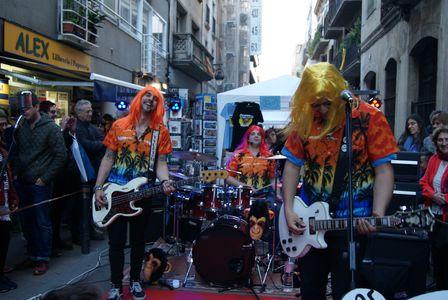 Los Monos Voladores del Sr. Burns presta servicio en la subcategoría de Grupos de Rock y Pop en Barcelona