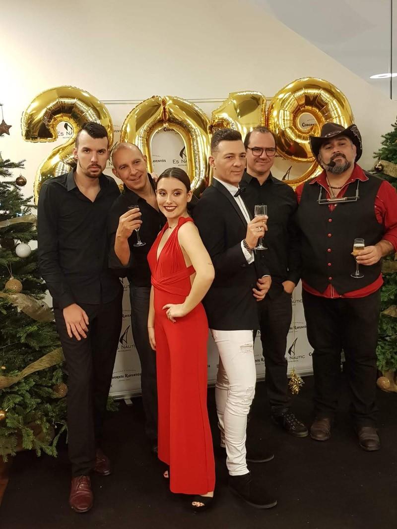 Orquesta enigma en es nàutic Eivissa a la cena de fin de año