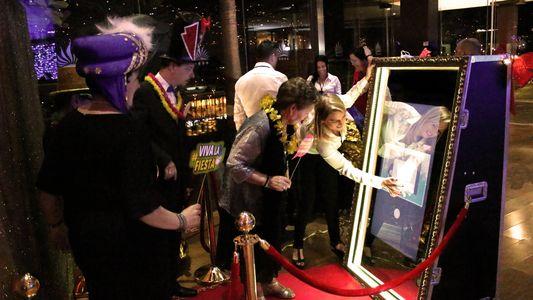 Espejo mágico Mylor presta servicio en la subcategoría de Fotomatón y Photocall en Santa Cruz de Tenerife