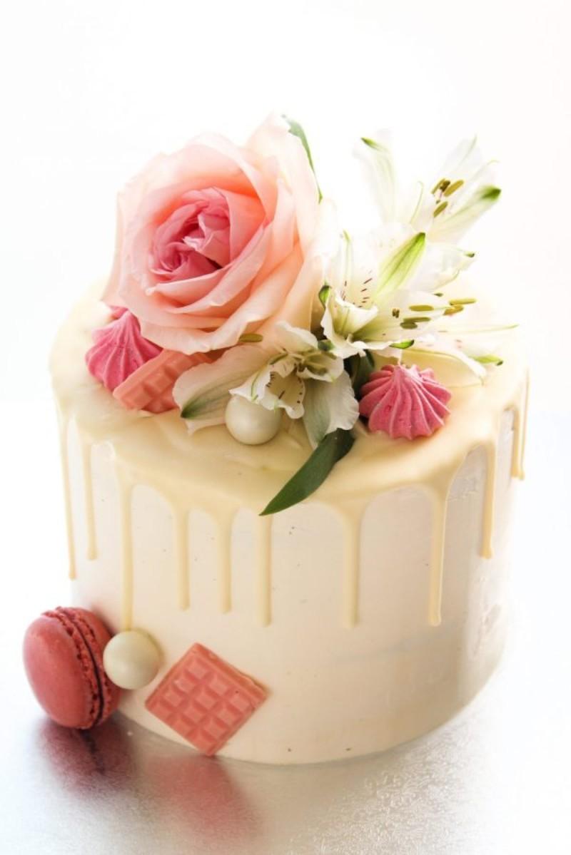 Spring drip cake