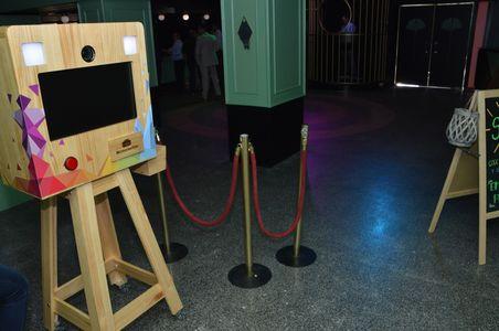 MemoriesBox - Fotomatón presta servicio en la subcategoría de Fotomatón y Photocall en Valencia