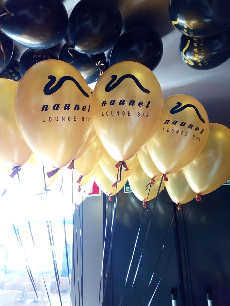 globos sorados personalizados_un mar de globos