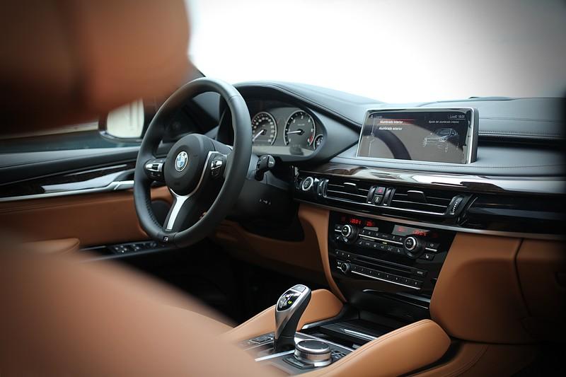 BMW x6 M Publicidad