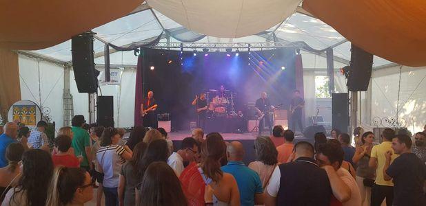 Tocata Versiones presta servicio en la subcategoría de Orquestas, cantantes y grupos en Córdoba