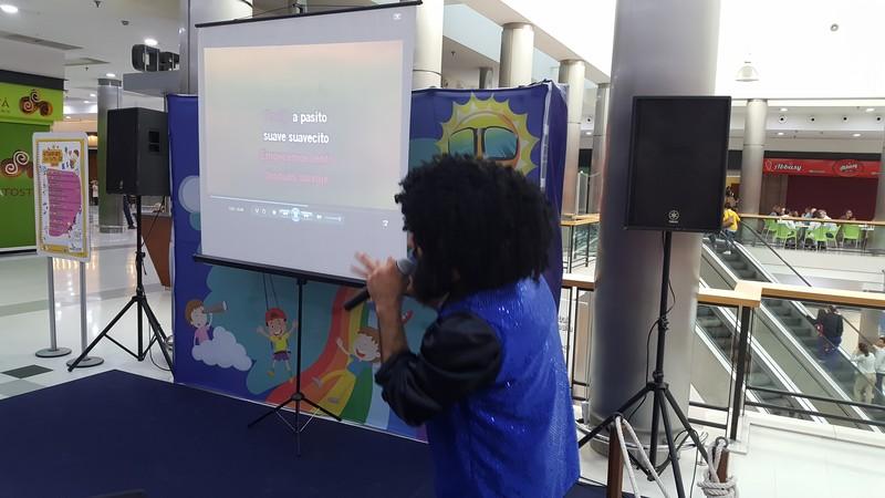 Karaoke infantil con animador