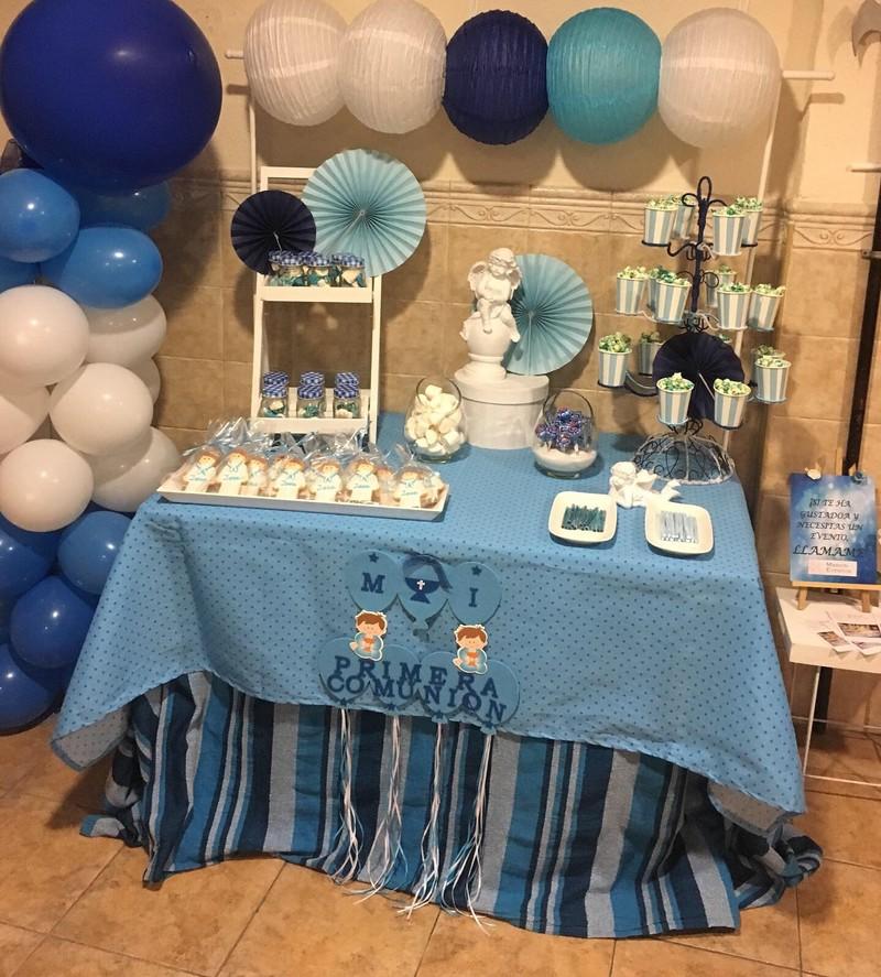 Comunión Azul y Blanco/ Mesa de Chuches y Detalles sillas