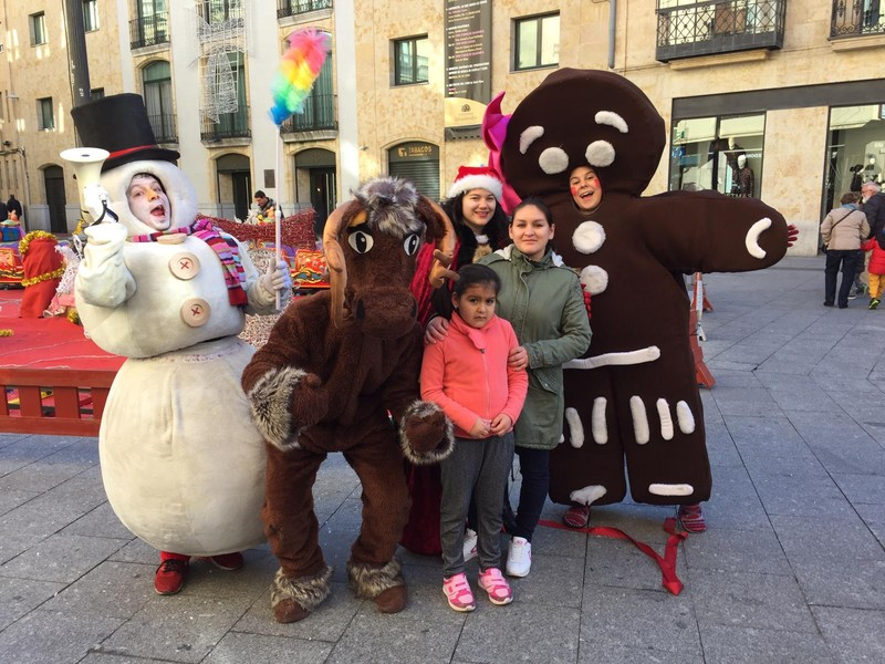 Personajes Navideños animando Burgos