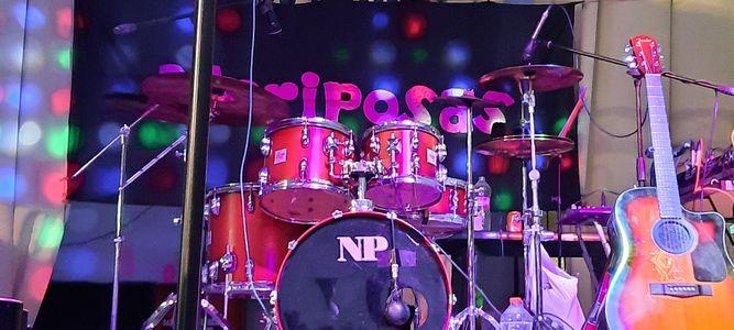 GRUPO MUSICAL MARIPOSAS presta servicio en la subcategoría de Grupos de Rock y Pop en Valencia