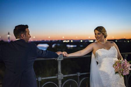 Repor Bodas presta servicio en la subcategoría de Fotógrafos de bodas en Badajoz