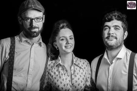 Let´s Vintage presta servicio en la subcategoría de Grupos de Jazz en Málaga