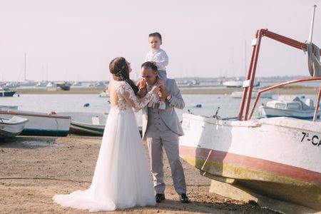 Virginiagonzalezfotografia presta servicio en la subcategoría de Fotógrafos de bodas en Cádiz