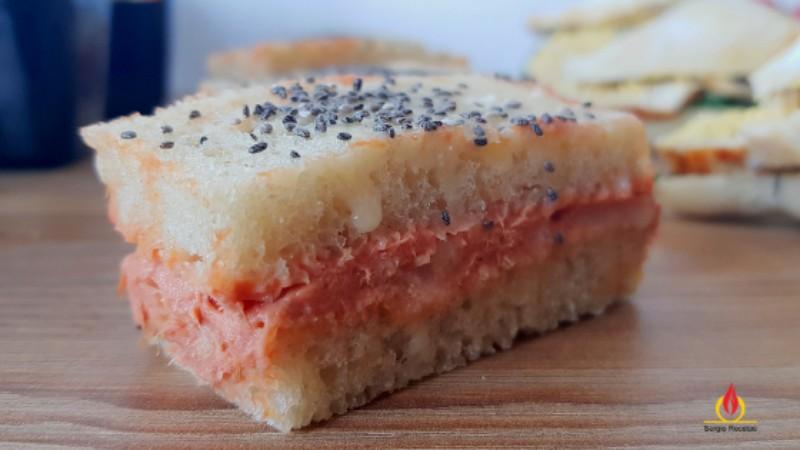 sándwich con pan de molde casero