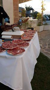 CHARCUTERIA BON GUST presta servicio en la subcategoría de Catering en Valencia
