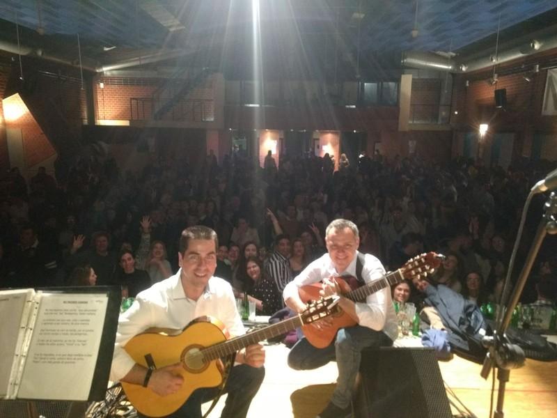 SurCompás, el MEJOR Grupo de Flamenquito, desde Sevilla, para toda España
