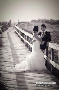 Santy Rodrĺguez presta servicio en la subcategoría de Fotógrafos de bodas en A Coruña