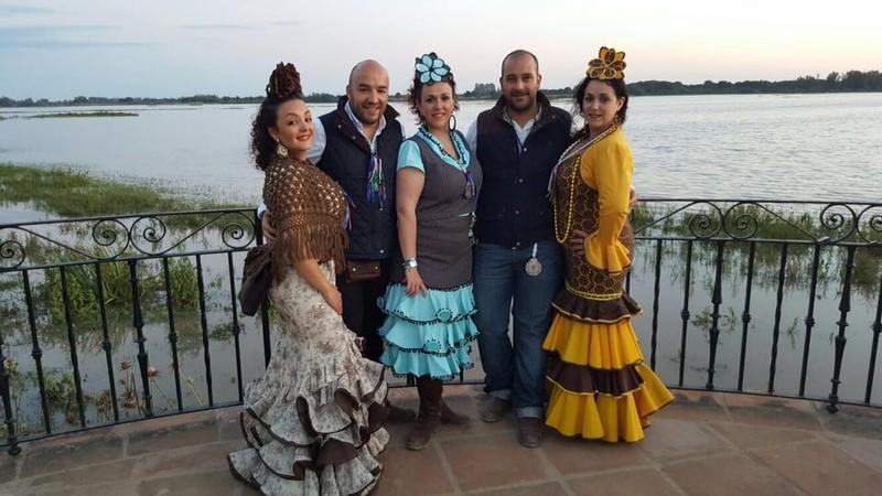 El grupo en la Aldea del Rocio año 2016
