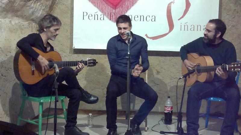 trio dos guitarras y Cante