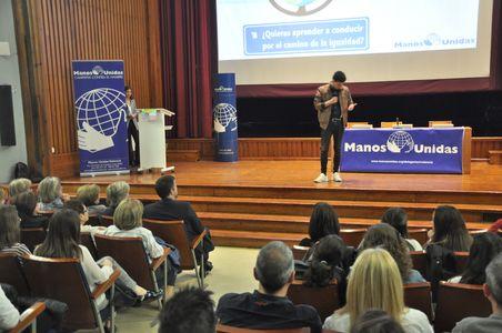 Mago, mentalista presta servicio en la subcategoría de Magos en Valencia