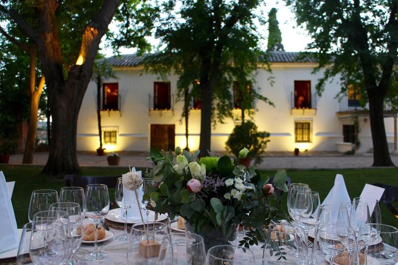 Cenas en el Jardín Principal