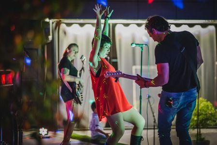 LA MALCRIADA ROCK presta servicio en la subcategoría de Grupos de Rock y Pop en Málaga