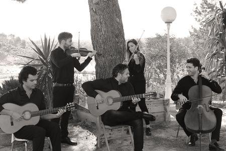 GRUPO DE FLAMENCO, FLAMENCO JAZZ,... presta servicio en la subcategoría de Flamenco y Coros Rocieros en Murcia