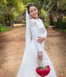 Ana Cruz Estudios presta servicio en la subcategoría de Fotógrafos de bodas en Sevilla