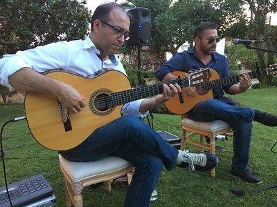 Live Bands Music presta servicio en la subcategoría de Grupos de Jazz en Girona