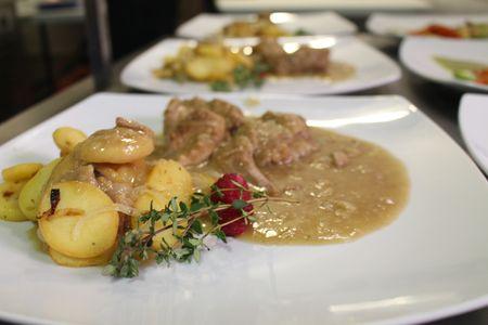 Catering Las Arenas presta servicio en la subcategoría de Catering en Sevilla
