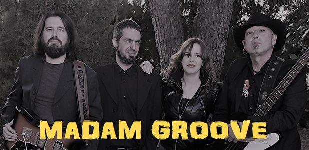 Madam Groove presta servicio en la subcategoría de Orquestas, cantantes y grupos en Sevilla