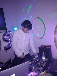 DJ Ras / Zarp DJ presta servicio en la subcategoría de Djs en Madrid