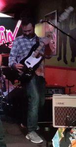 Guitarras Calaveras presta servicio en la subcategoría de Grupos de Rock y Pop en Madrid