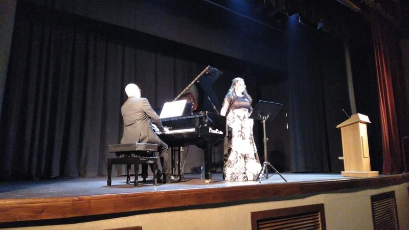 Alquiler y afinación Yamaha grand piano Al concierto de Maia y Juanjo Albinyana