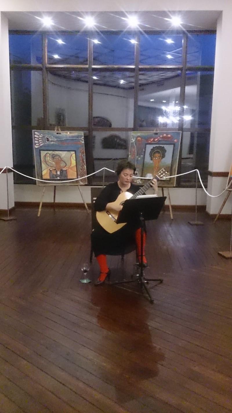 Guitarra y pintura, Burriana
