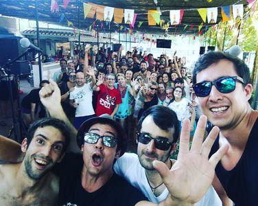 The Zlyppers presta servicio en la subcategoría de Grupos de Rock y Pop en Alicante