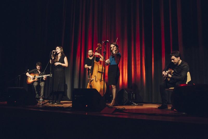 Acoustic Guiri