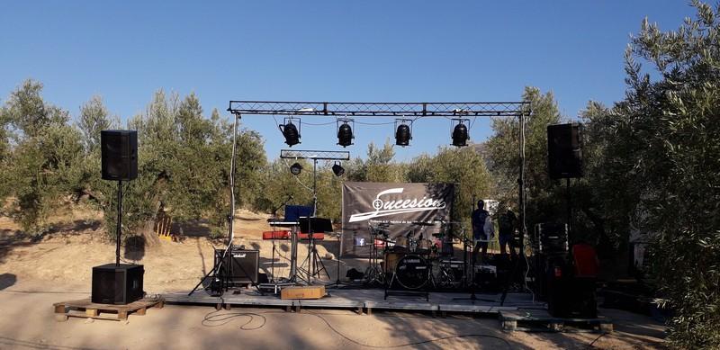 Instalación de sonido e iluminación con sonorizacion para grupo de pop rock