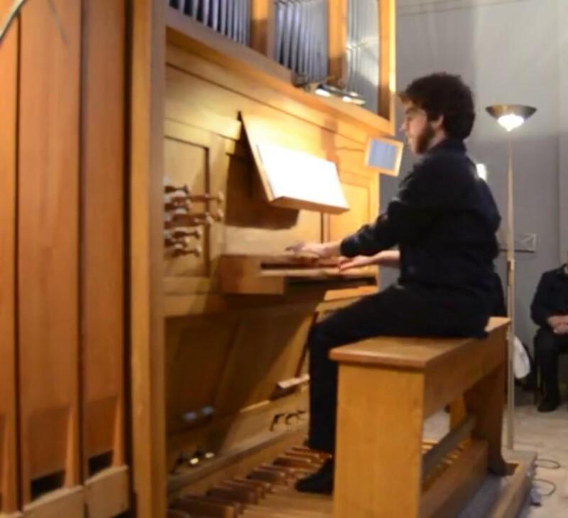 Nuestro organista y pianista