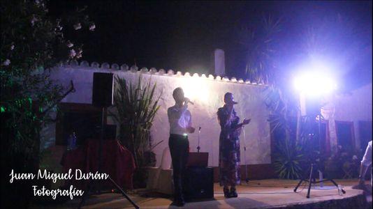 Roima y Javi presta servicio en la subcategoría de Orquestas, cantantes y grupos en Málaga